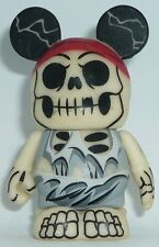 Disney Pirates of the Caribbean Series #2 Vinylmation ( Glow ITD Helmsman )