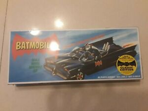 BATMOBILE  1966TV SHOW MODEL 80'S RE-ISSUE-NEW-SEALED