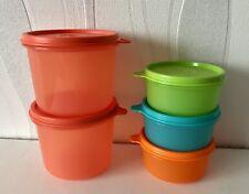 5 Dosen von Tupperware Drei (3) Julchen für 200 ml & 2 X Dose Orange 550 ml
