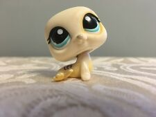 Littlest Pet Shop #1030 Snowy Day Creamy Yellow Seal with Blue Eyes