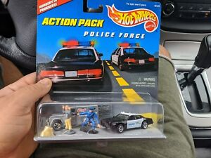 Hot Wheels police action pack