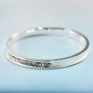 I01 Bangle Concave Domed Feather Fine Silver 999