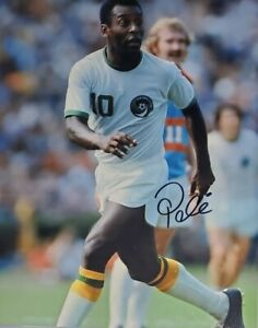 Pele Hand Signed 8x10 Photo W/ Holo COA