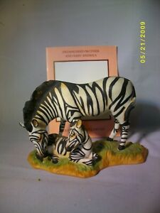 """A FRANKLIN MINT ENDANGERED MOTHER AND BABY ANIMAL THE """"MOUNTAIN ZEBRA"""" C.WC 1989"""