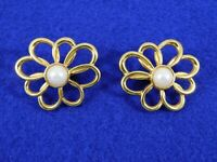 Vintage Earrings Flowers Daisies Faux Pearls Gold Tone Clips