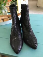 FREE PEOPLE MARIBEL KITTEN  Boots Black Ankle Boots  Size 40   Retail: $178.99