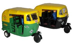 Auto Rickshaw PREMIUM Tuk Tuk India Cricket transport Car Toy GREEN / BLACK Taxi