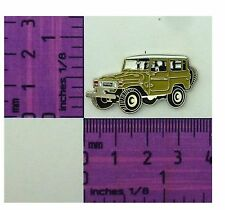 BJ40- FJ40 Beige Toyota Landcruiser SWB winch Quality Metal Lapel Pin / Badge