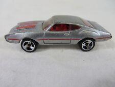Hot Wheels Diecast 1993 Warner Oldsmobile Cutlass Gray Silver 1:64 Scale #6702