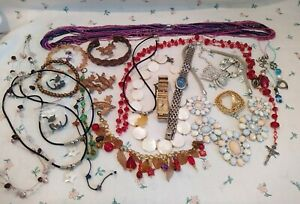 Approx 500g Lot of Wear or Repair Jewellery ~ Watches ~ Brooches ~ Charms ect.