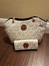 NWT MICHAEL KORS  JET SET TRAVEL LARGE CHAIN SHOULDER TOTE & WALLET  IN VANILLA
