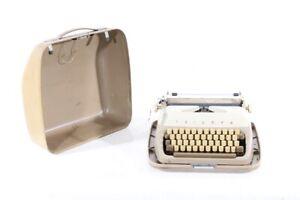 Old Typewriter Vintage Typewriter Suitcase Triumph Gabriele