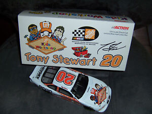 NASCAR Tony Stewart #20 Grand Prix 2000 1:24 Home Depot Kids Workshop Bank