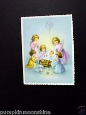 #H369- Unused Glitter Xmas Greeting Card Group of Angels Praying Over Jesus