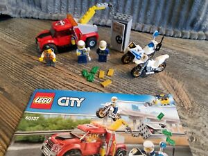 LEGO City  Police Tow Truck Trouble 60137 144 Piece Building Set