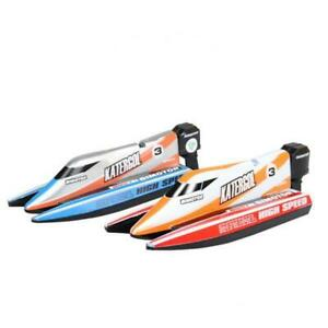 Set of Plastic Mini RC Racing Boat 4 Channel with Controller Toys 14x5x3.5cm