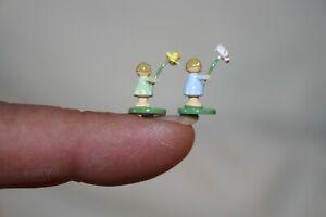Miniature Dollhouse Pair Erzgebirge Wood Flower Girl Figurines 1:12 1:24 1:48 NR