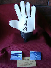 MANCHESTER UNITED 60s PAT DUNNE AUTHENTIC GENUINE SIGNED GLOVE &STAND-AFTAL COA