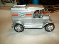 """Ertl #9826 1:25 """"Barq's Root Beer #1"""" 1913 Ford Model T Delivery Bank MIB"""
