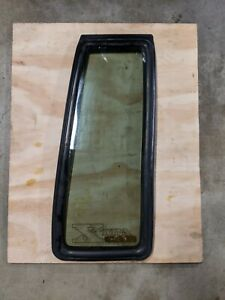 84-88 TOYOTA PICKUP TRUCK XTRA CAB Passenger Right Side Window Quarter Glass OEM