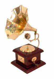 Brass Vintage Design Gramophone Phonograph Showpiece