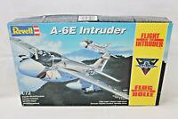 REVELL 4391 FLUG DURCH DIE HÖLLE A-6E INTRUDER -1991- 1:72