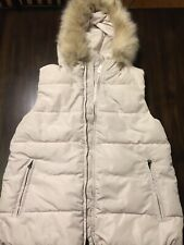 NWT GAP Primaloft White Cream Vest Faux Fur Hood ~Retail $98~ Size S Tall