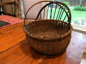 Primitive Antique Handmade Woven small Gathering Basket kick up bottom