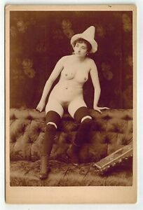 Cabinet card albumen photo full nude woman with clown hat original early 1890s
