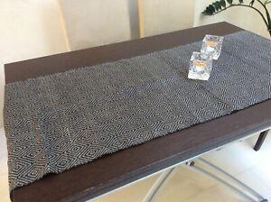 Linen table runner diamond pattern black/ivory by ETMO