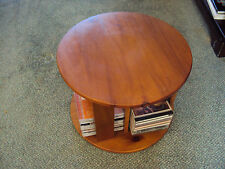 Pine Less than 30 cm Width Modern Tables