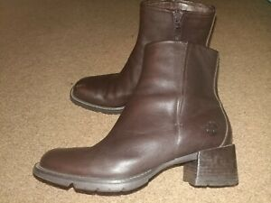Timberland: Brown Leather Ankle Boots - Women's Size 9.5M