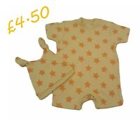 BABY BOYS GIRLS ROMPER ALL IN ONE PLAYSUIT UNISEX WITH MATCHING BOBBLE HAT GIFT