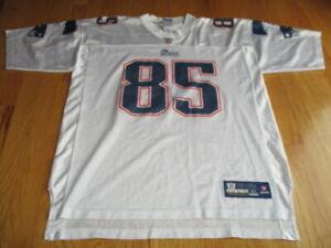 Reebok NFL Players CHAD OCHOCINCO No. 85 NEW ENGLAND PATRIOTS (XL) Jersey