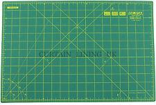 "OLFA Self Healing Fabric Paper Cutting Mat 12"" x 18"" Green Professional RM-IC-C"