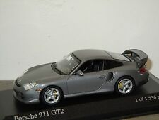 Porsche 911 996 GT2 2001 van Minichamps 1:43 in Box *24736