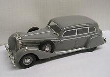1938 Mercedes Benz 770K Sedan Grey 1:43 Die-Cast Signature Models 43701
