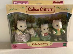 Calico Critters ~ Woolly Alpaca Family (4) NEW IN BOX