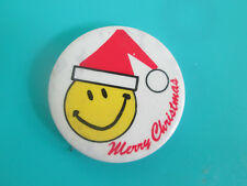 Vintage PINBACK SMILEY FACE MERRY CHRISTMAS