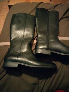 Boots women size 11