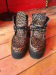 Underground leopard creepers
