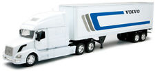 NewRay 1:32 Scale Volvo VN-780 With Dry Van Trailer Semi Truck & Trailer 14213