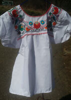 Puebla Mexican Blouse Top Shirt White Embroidered Flowers Floral Medium Z