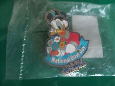"""WALT DISNEY WORLD NATIONAL BOSS DAY """"DONALD DUCK"""" Cast Exclusives -LE-NEW"""