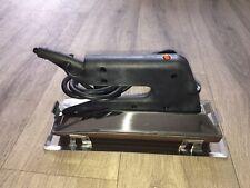 Economy Heatseam Iron 220V Grooved Base with Stand Carpet Flooring Tools