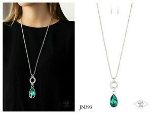NWT! Paparazzi ~ Lookin Like A Million ~ Green Necklace