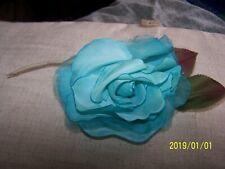 Rose ancienne en voile d'organza et mousseline. Couleur bleu turquoise. N°40