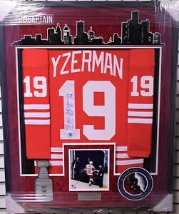 Steve Yzerman Signed and Framed Detroit Red Wings Jersey - AJ Sports World COA
