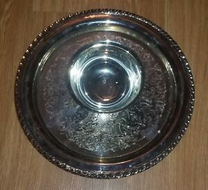 Oneida USA OL silverplate Platter with attached bowl. Brilliant pattern