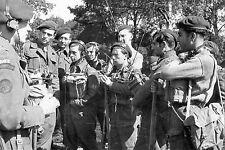 """WW2 - Inspection des spécialistes """"radio"""" du commando Kieffer le 3 juin 44"""